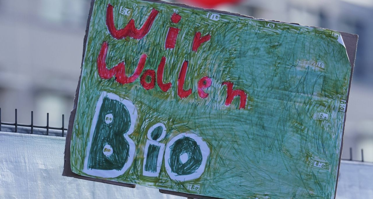 https://www.bioland.de/fileadmin/user_upload/Verbraucher/Blog/Politik_und_Gesellschaft/Bundestagswahl_2021/Header_Wir_wollen_Bio_Forderung_GAP_OEkopraemie_Bioland.jpg